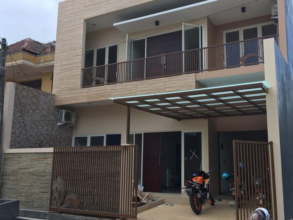 Dharmahusada, Surabaya - Rumah Tinggal Dr. L (LT 10x20m)